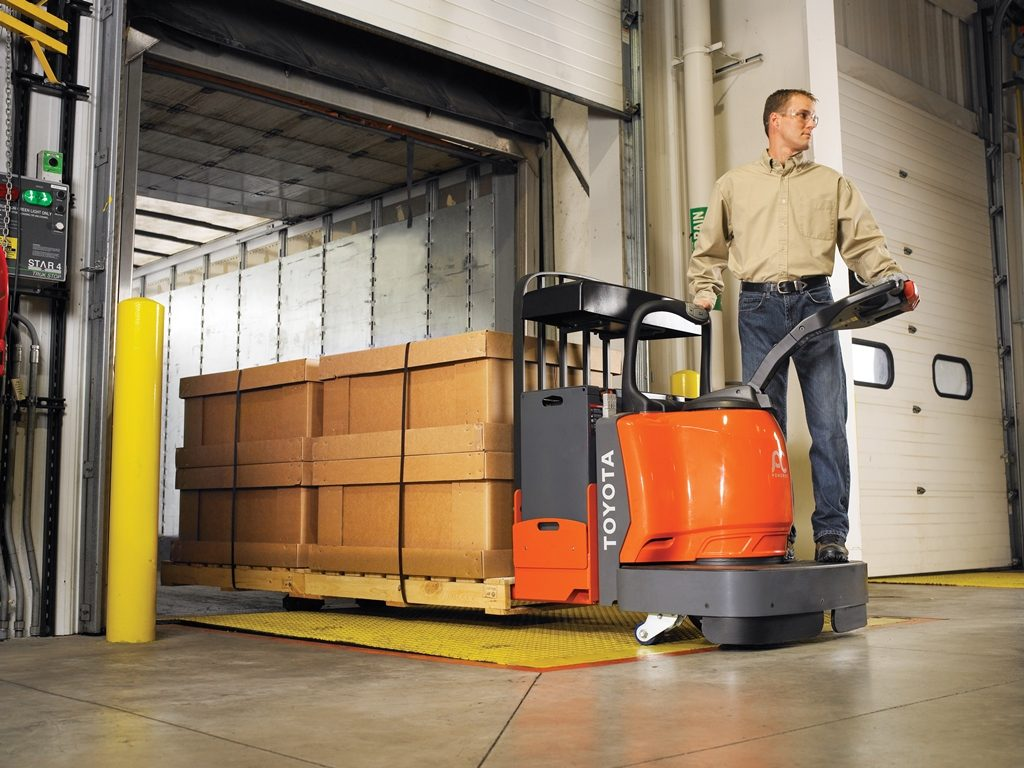 knowing-about-pallet-jacks-safety